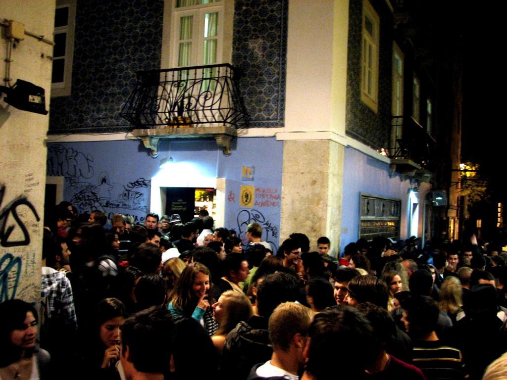 Lizbona nocne życie - Erasmus Corner