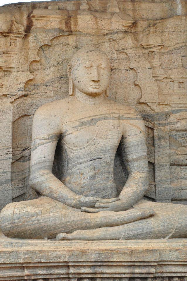 Sri Lanka Polonnaruwa - siedzący budda