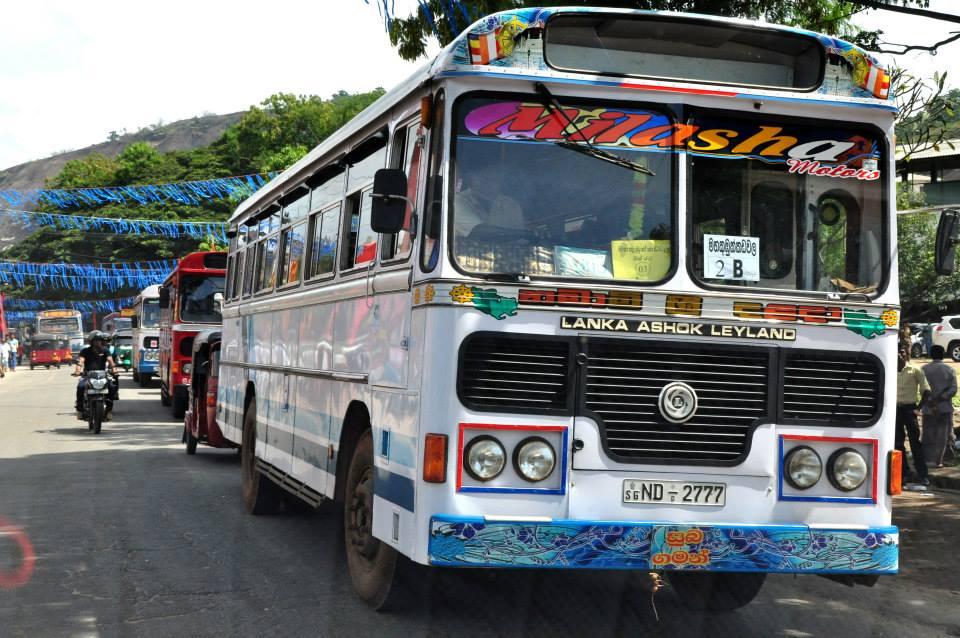 Sri Lanka Colombo - stary autokar TATA