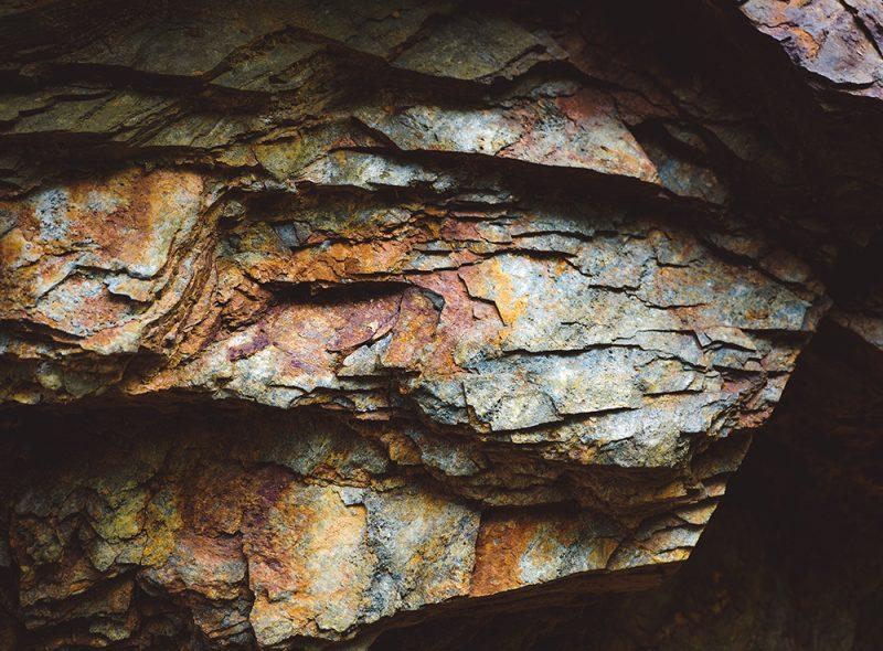 Rudawy Janowickie - kolorowe jeziorka - skaly