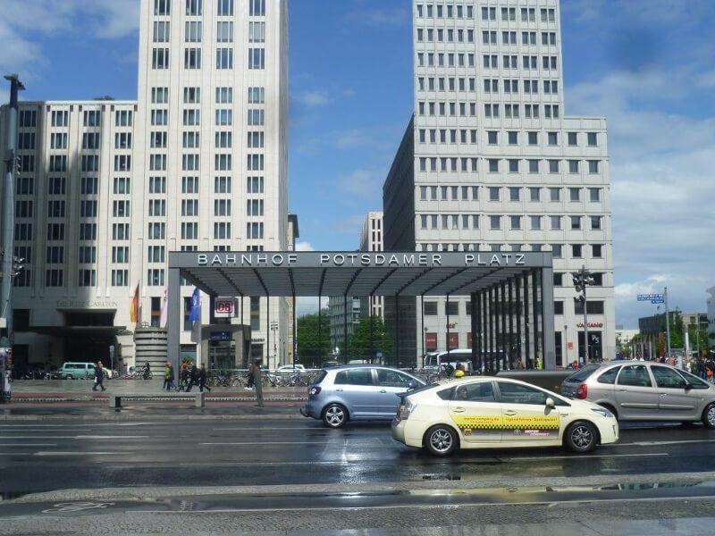 Stacja kolejowa na Potsdamer Platz
