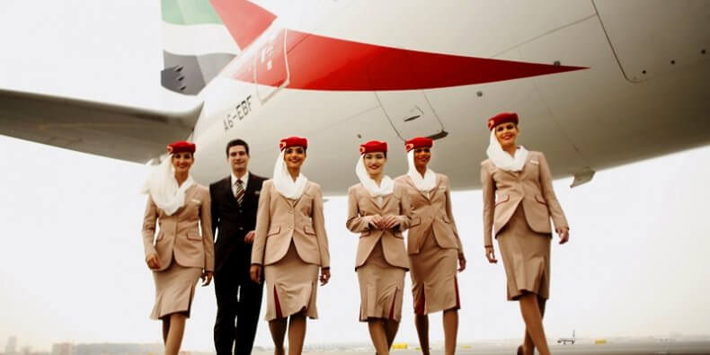 Załoga Emirates - stewardesy