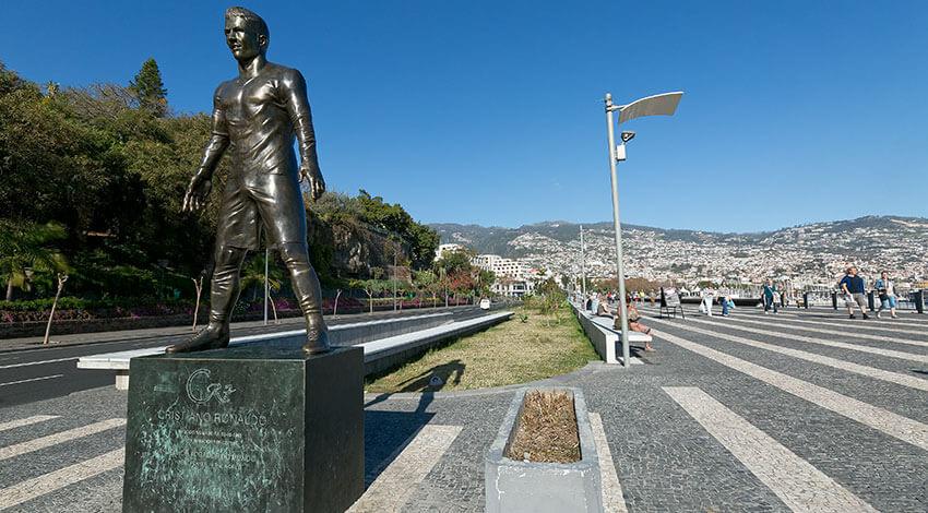 Madera - Muzeum Christiano Ronaldo - pomnik Christiano