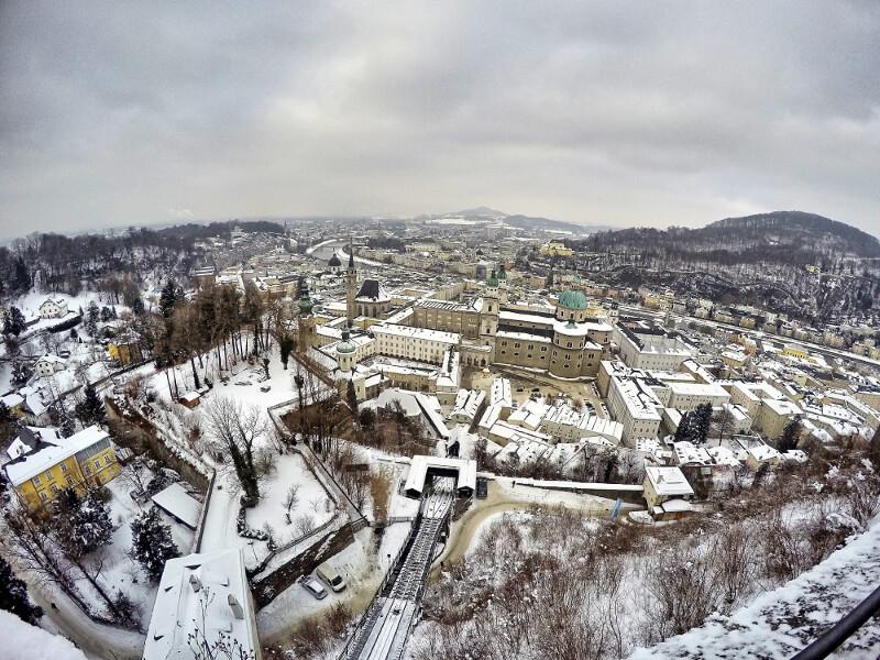 Widok na miasto z zamku - zwiedzanie Salzburga