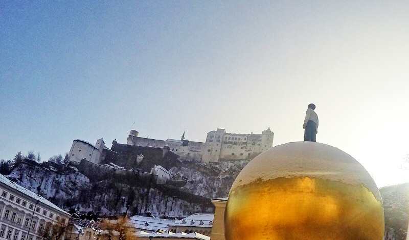 Zamek od strony katedry - zwiedzania Salzburga