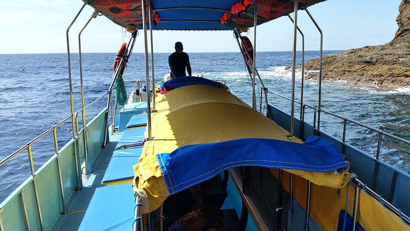 Madera - rejs statkiem po oceanie wzdłuż wyspy