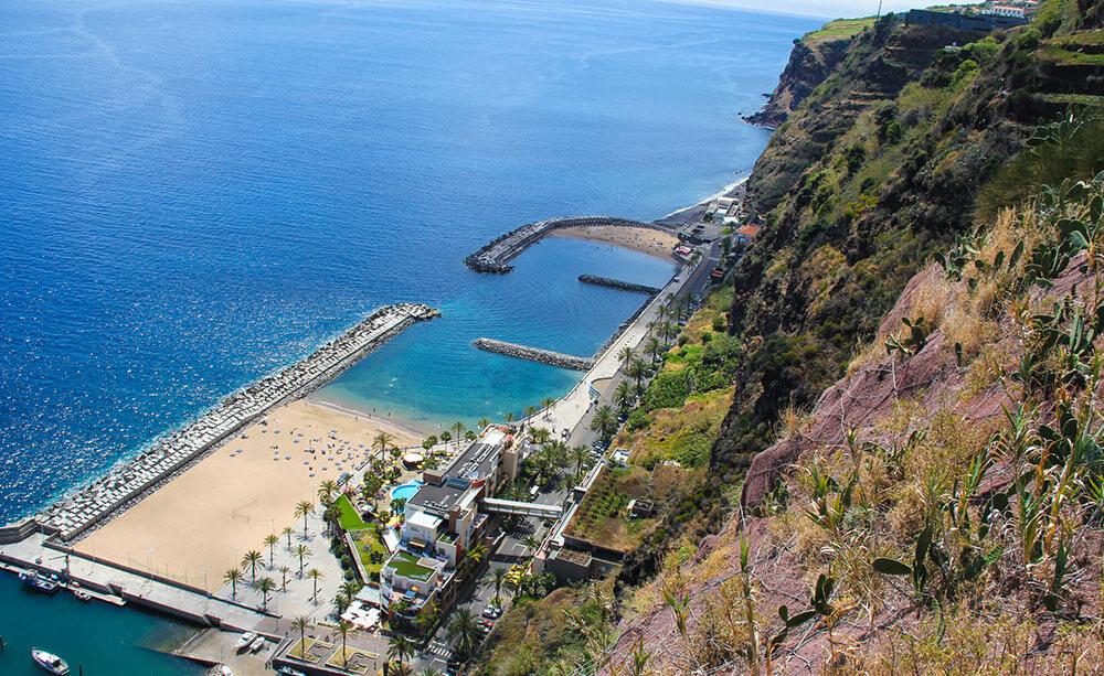 madera- piaszczysta plaża calheta