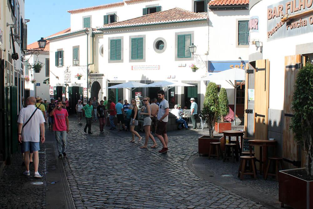 Atrakcje Madery - Wioska rybacka Camara de Lobos - ulice miasta
