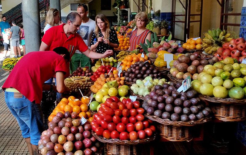 Madera - bazar z owocami i warzywami