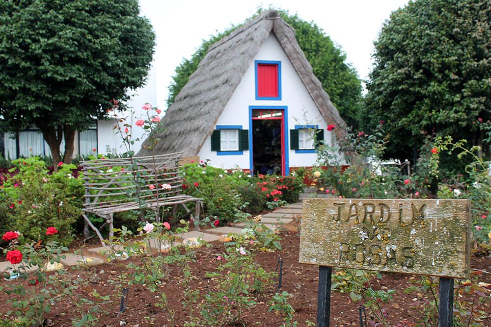 Atrakcje Madery - Santana - tradycyjne domki