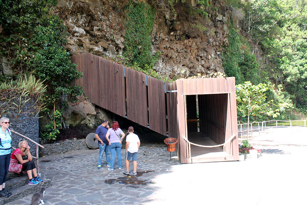 madera-sao vincente wejście do jaskini