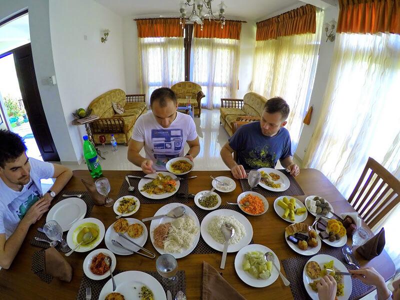Lankijskie jedzenie - śniadanie
