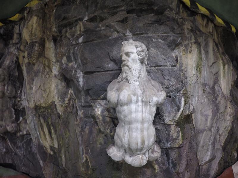 Rzeźba w Sztokholmskim metrze