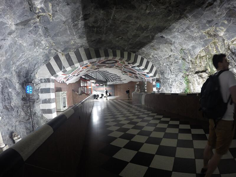 Metro w jaskini Sztokholm