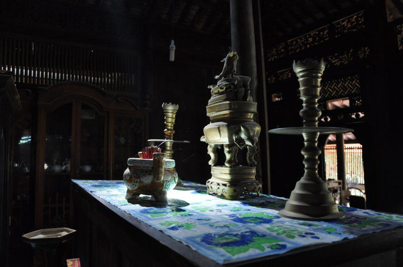 Wnętrze wietnamskich domów - bogate w ołtarze