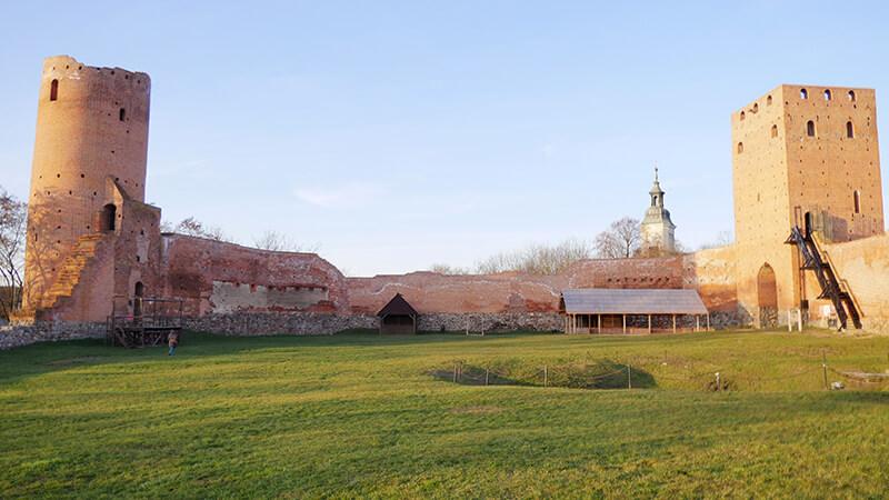 Patio ruin zamku w Czersku
