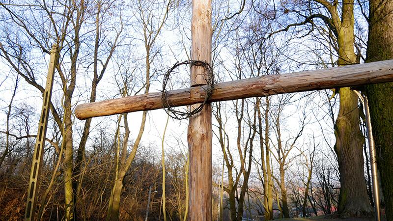 krzyż przy kościele Czersk