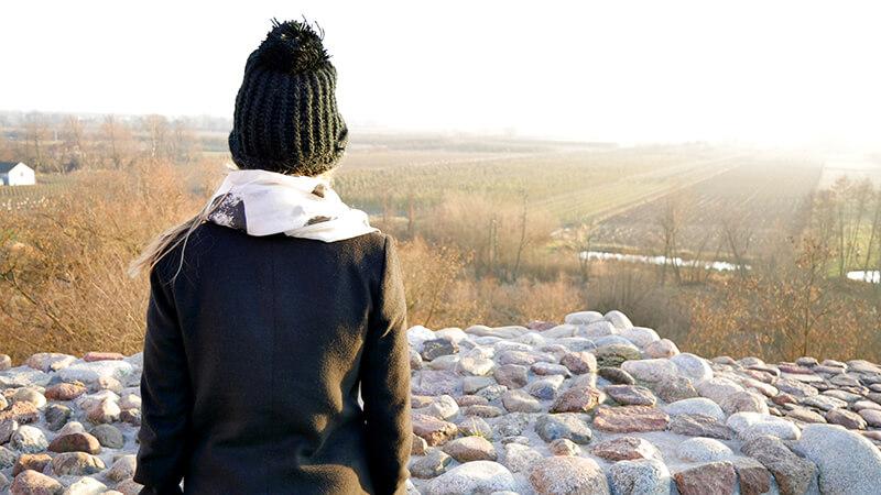 Widok na pola z ruin zamku w Czersku