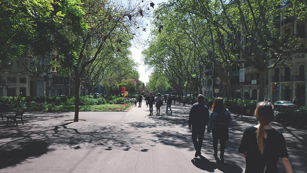 Barcelona-park-na-ulicy