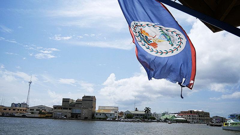 Flaga Belize - port w Belize
