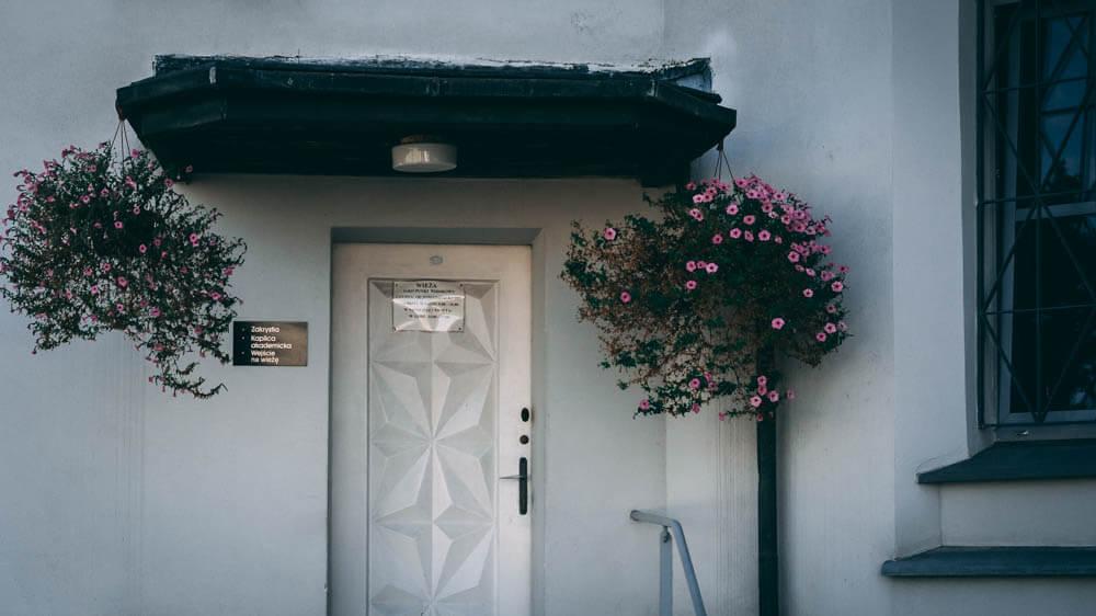 drzwi do wejścia na dach św Rocha