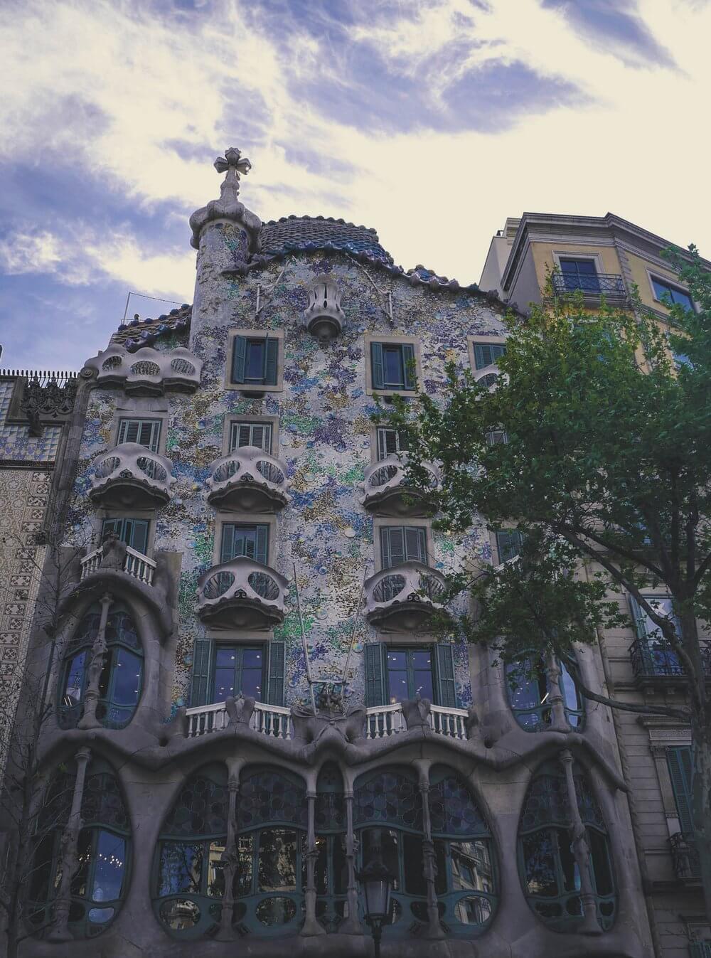 architektura-Gaudi-dom