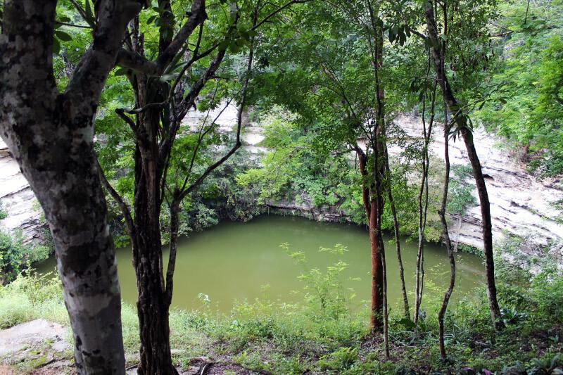 Chichen-itza-cenote