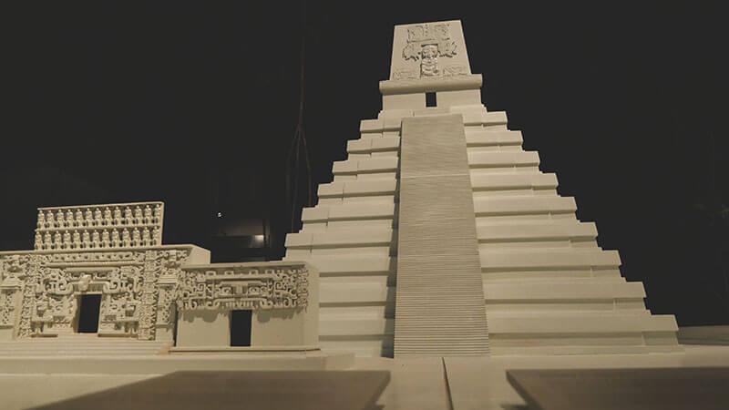 makieta-piramidy-chetumal
