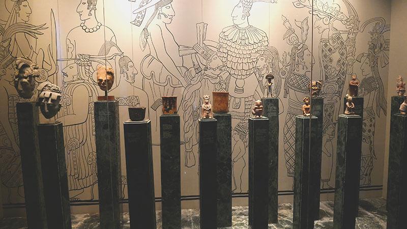 eksponaty-muzeum-majow