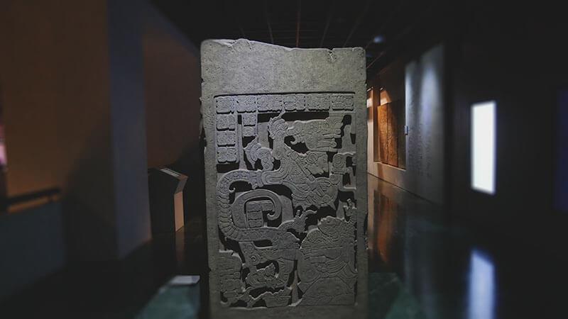 posąg-majów
