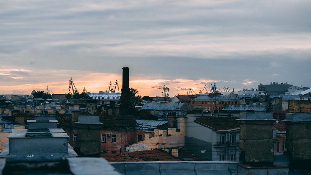 widok z dachu petersburga