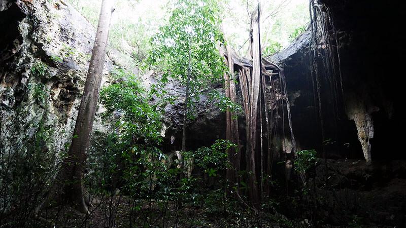 Kolorowe jaskinie Grutas Loltun w Meksyku