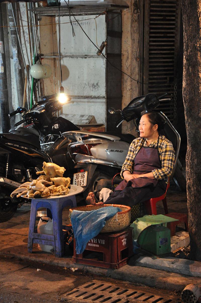Uliczny sprzedawca Hanoi
