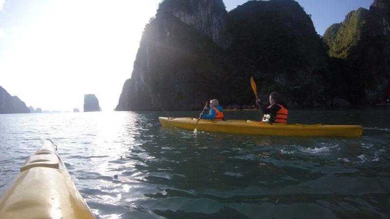 Grupowy spływ kajakowy - Zatoka Ha Long