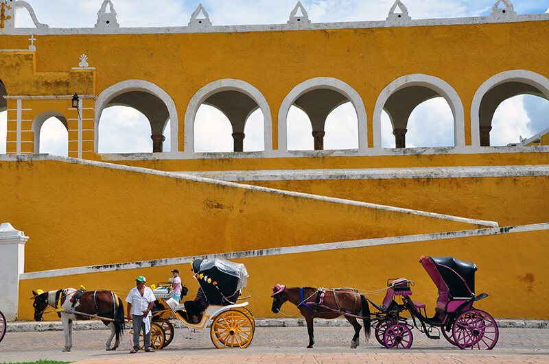 Izamal - yellow city mexico