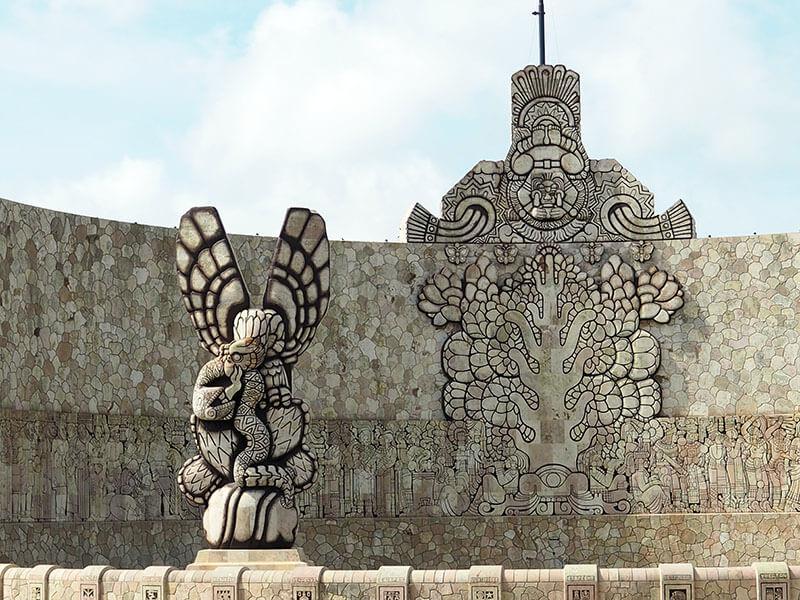 Pomnik Monumento a'la Patria - Merida