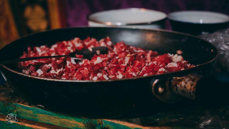 mięso z jaka - mongolia