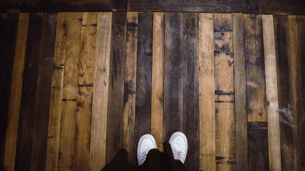 podłoga-z-beczek