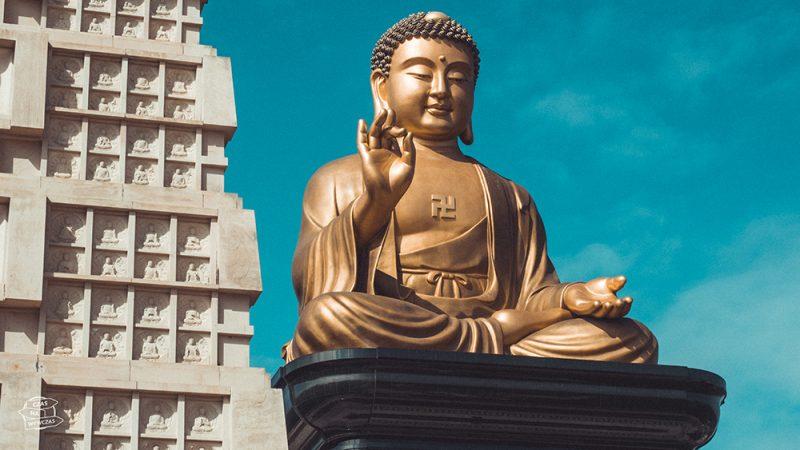Fo Guang Shan - wielki posąg Buddy