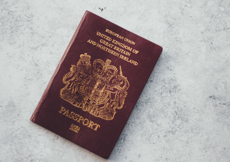 granatowe-paszporty-wielka-brytania