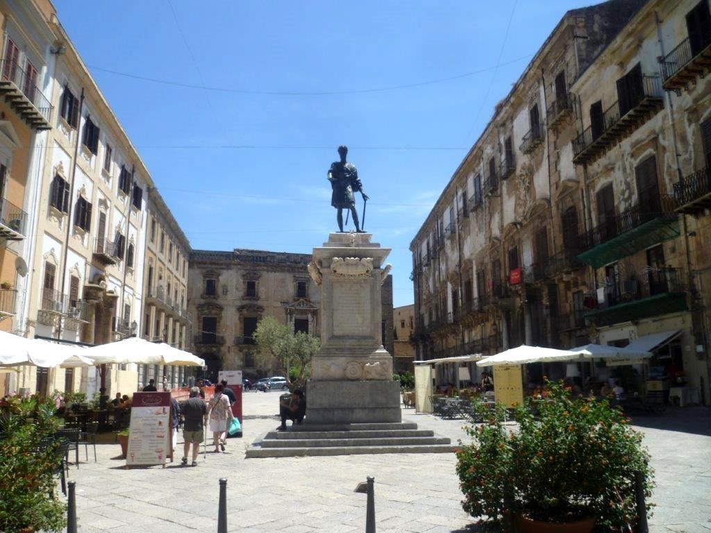 plac Karola V w Palermo