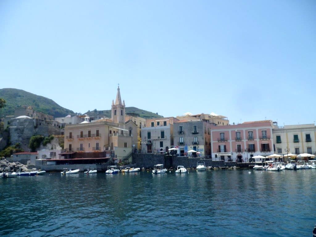 Port na wyspach Lipari Sycylia
