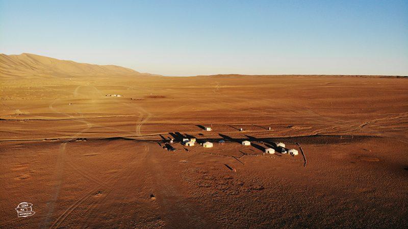 jurty na pustyni Gobi