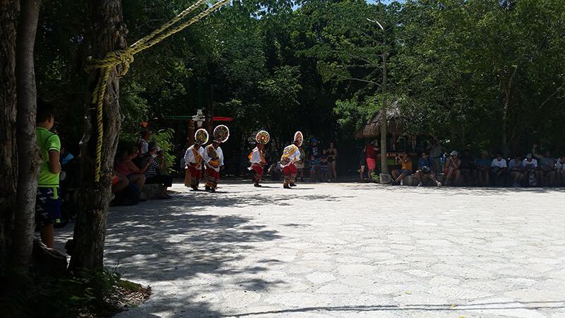 Taniec Majów - Xcaret