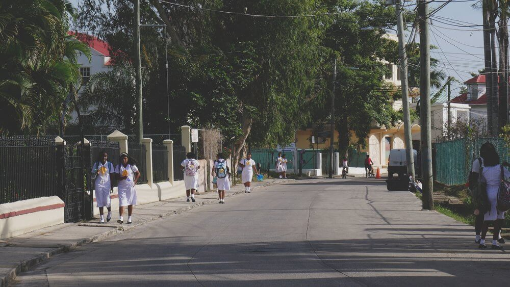 uczniowie-na-ulicach