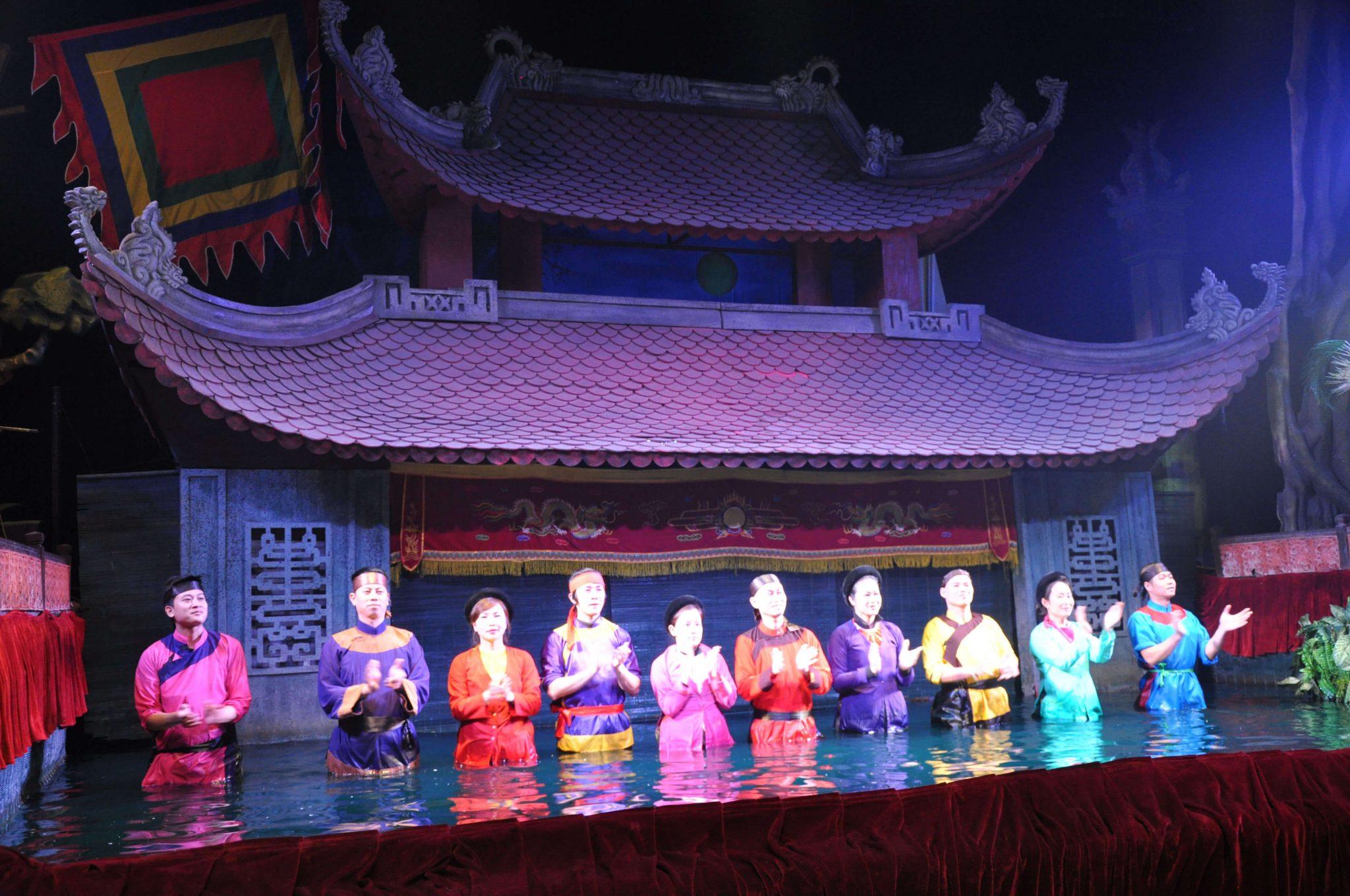 Wodny Teatr Lalek - artyści - Hanoi Wietnam