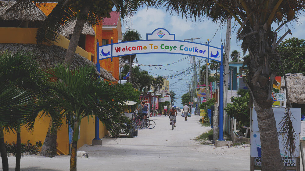 Caye-Caulker-welcome-sign
