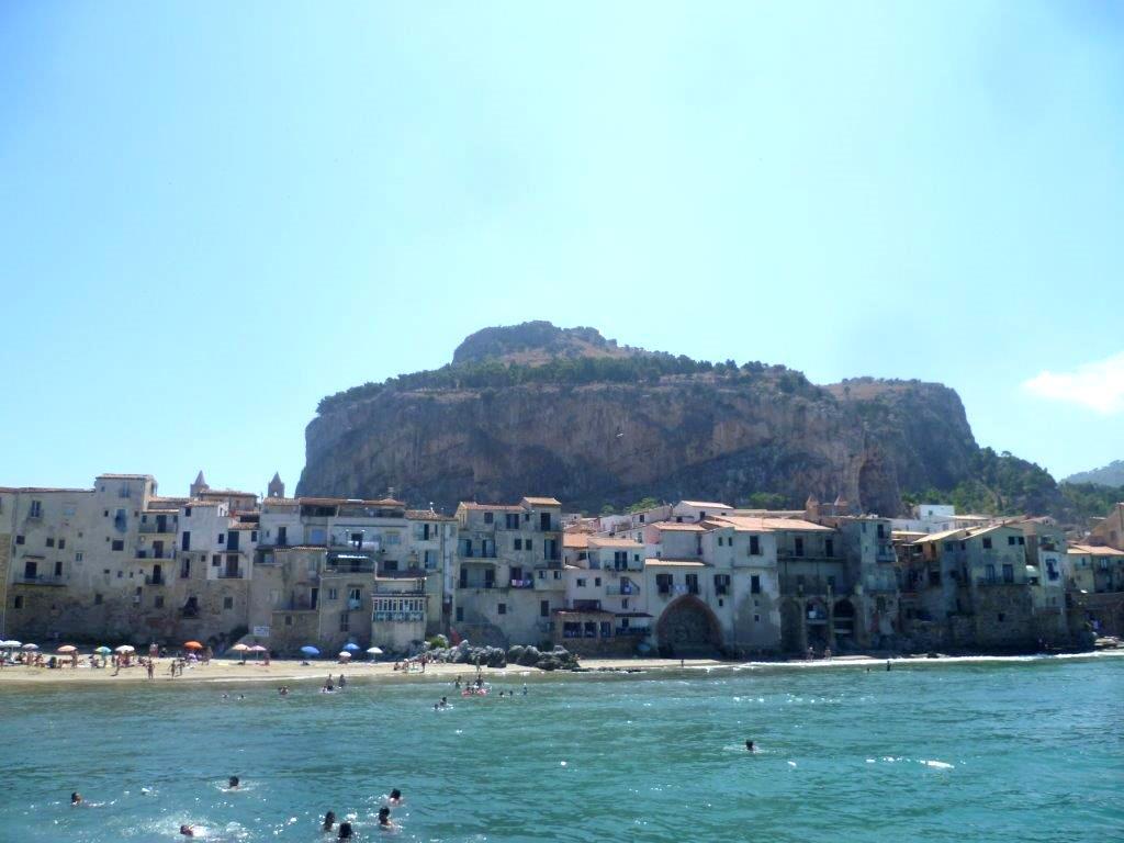 Plaże w Cefalu Sycylia