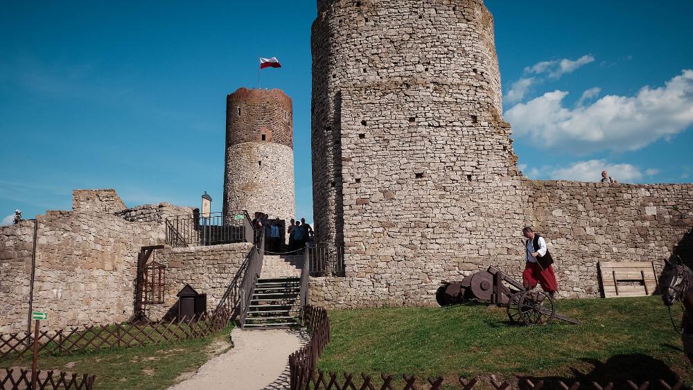 Zamek w Chęcinach - dziedziniec