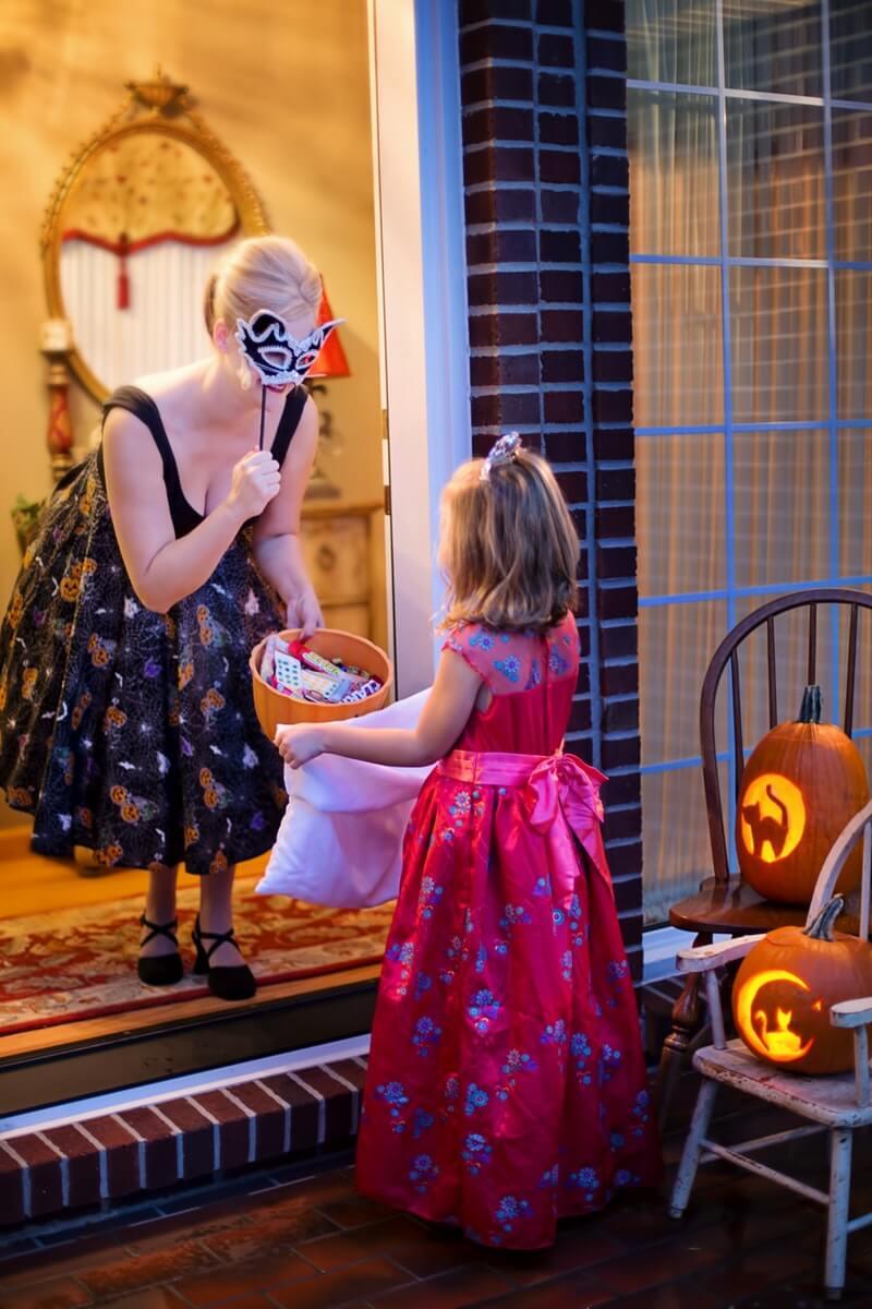cukierki-zbieranie-halloween